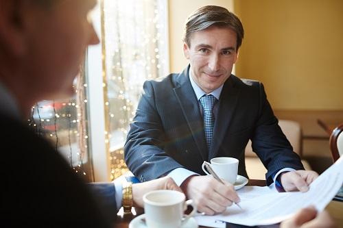 engager un avocat en droit de contrats